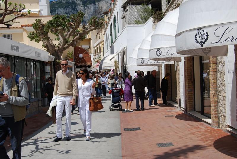 Looking for Nike Capri pants? Find Women's Nike Capri pants, Juniors Nike Capri pants at Macy's.