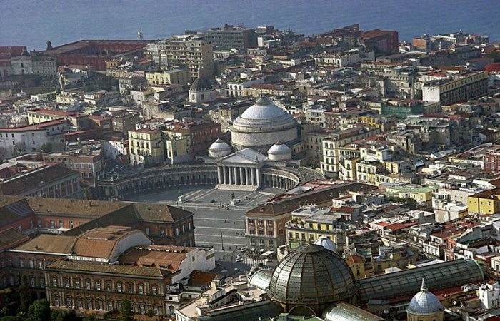 Archaeology, history and culinary traditions in Naples